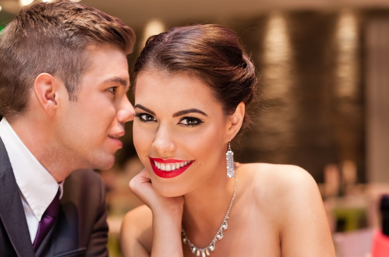 6 Great First Date Questions That Bond Him To You